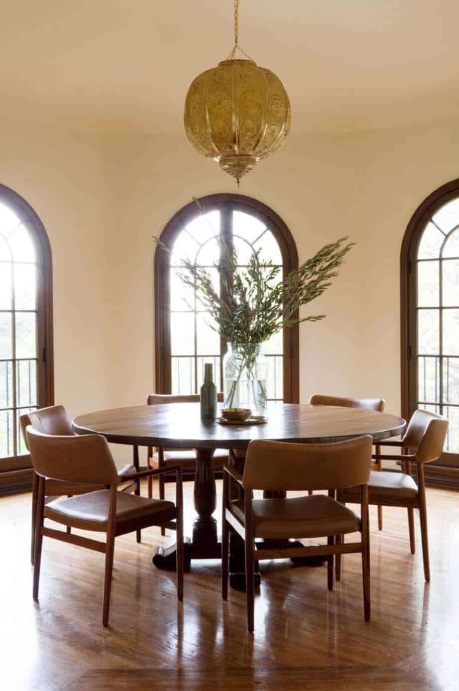 mediterranean-style-home-disc-interiors-06-1-kindesign