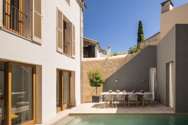 featured posts image for Charming modern renovation of a 150-year-old townhouse in Pollença