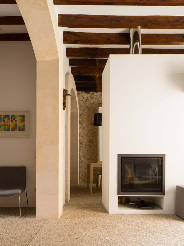 modern-townhouse-renovation-spain-06-1-kindesign