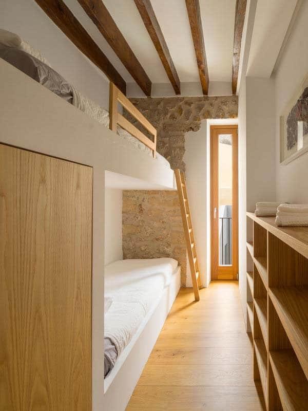 modern-townhouse-renovation-spain-14-1-kindesign