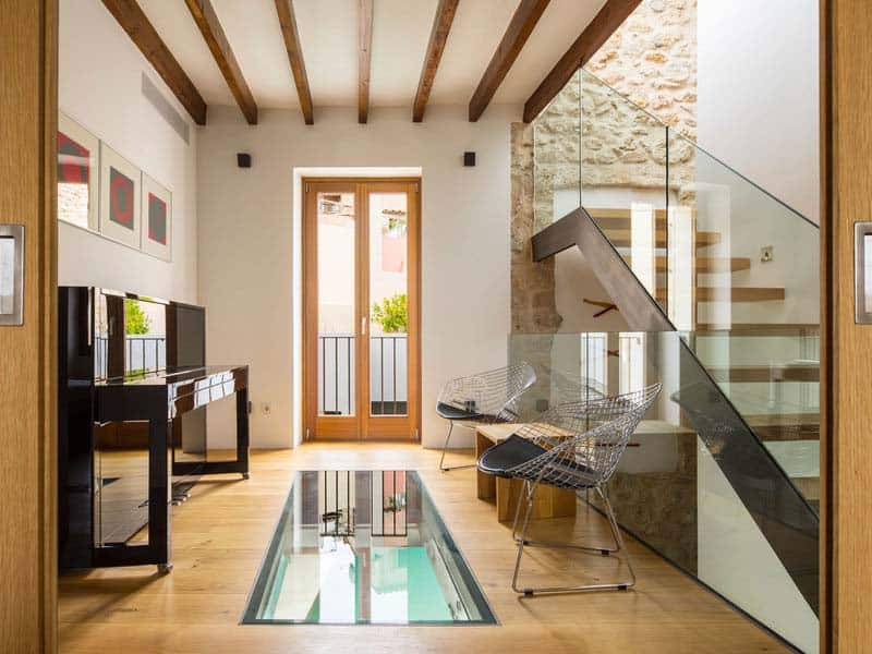 modern-townhouse-renovation-spain-17-1-kindesign