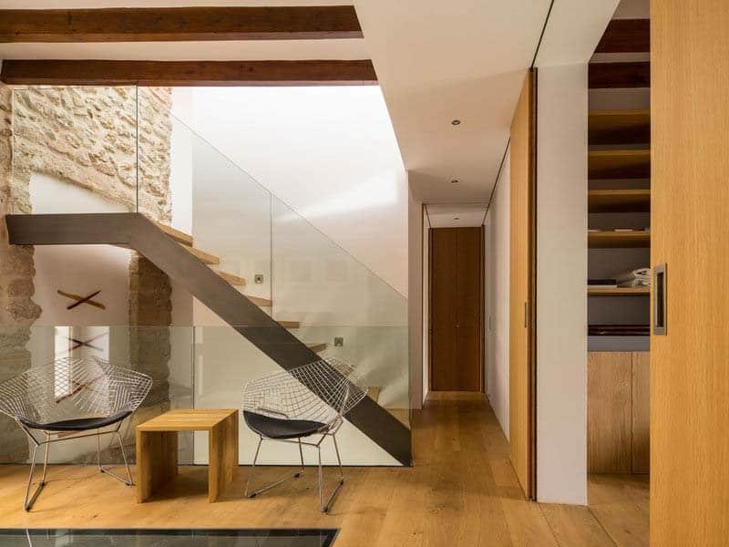 modern-townhouse-renovation-spain-18-1-kindesign
