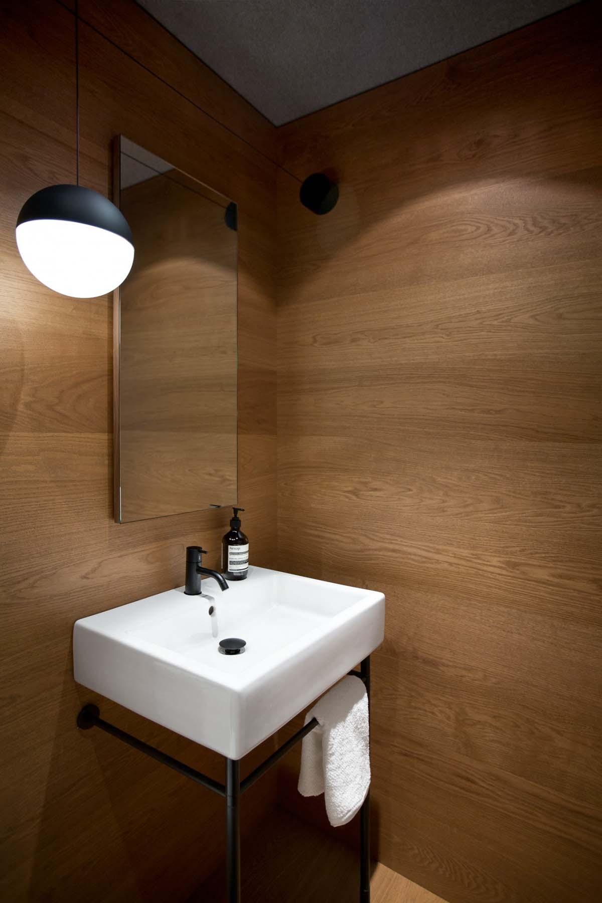 modern-vancouver-loft-falken-reynolds-interiors-16-1-kindesign