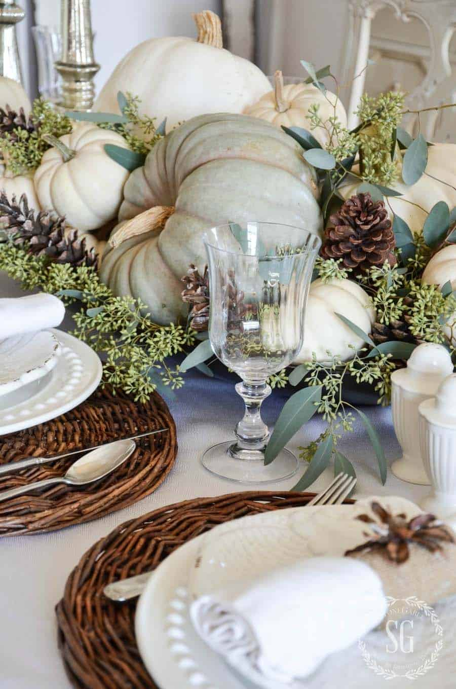 natural-thanksgiving-table-decorating-ideas-01-1-kindesign