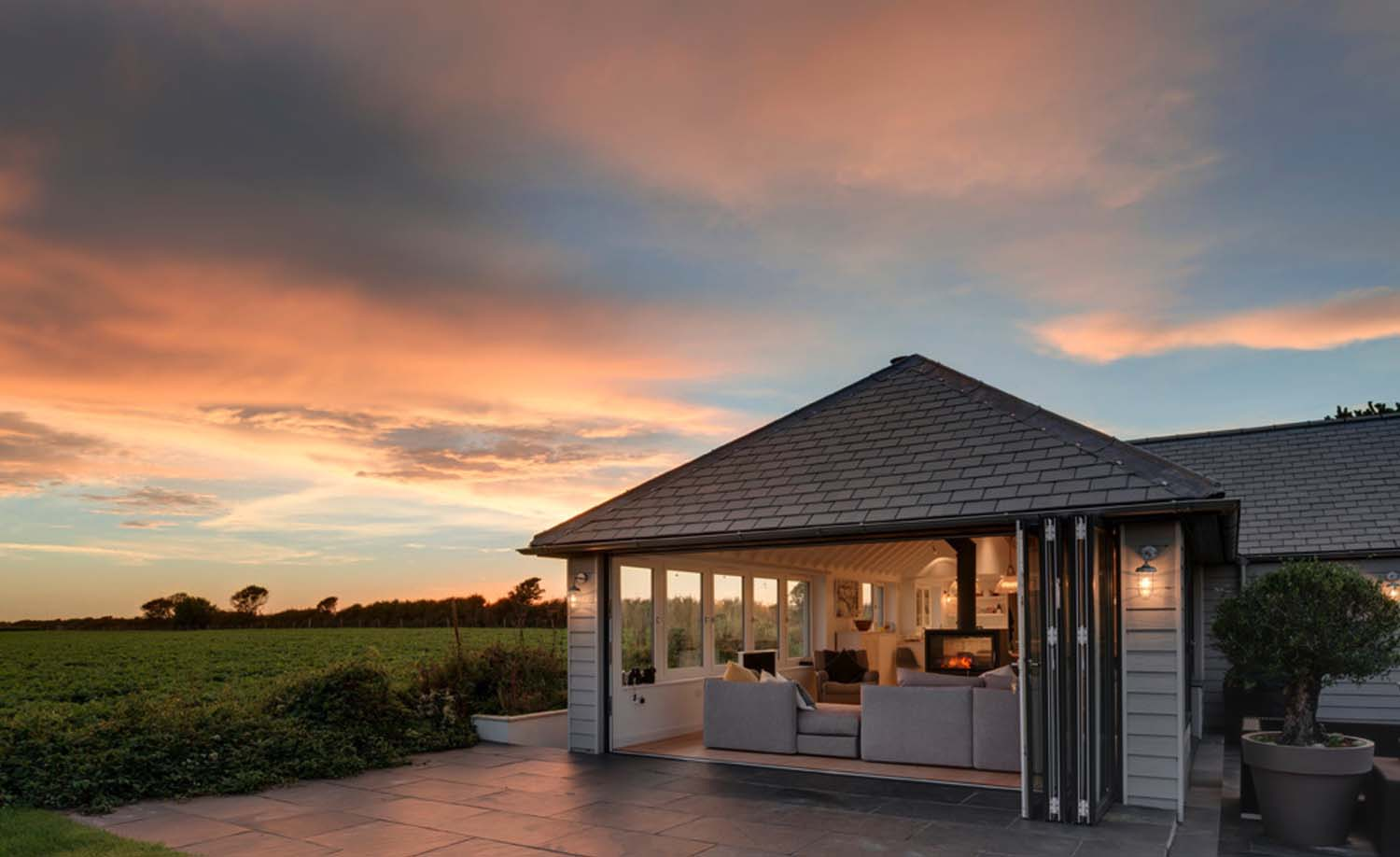 seaside-bungalow-renovation-woodford-architecture-20-1-kindesign