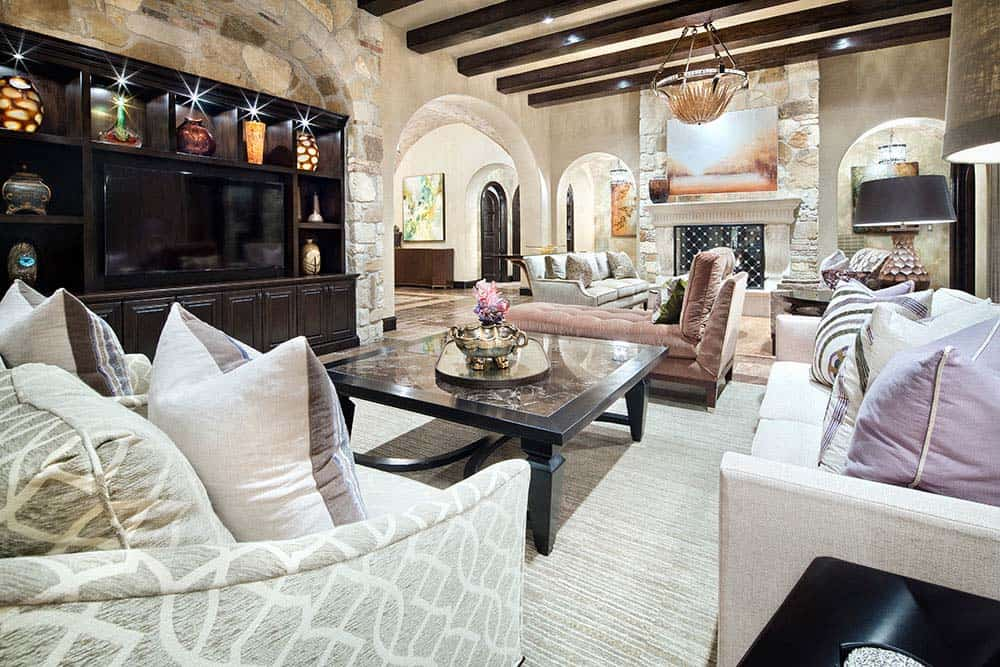 tuscan-transitional-home-jauregui-architecture-10-1-kindesign
