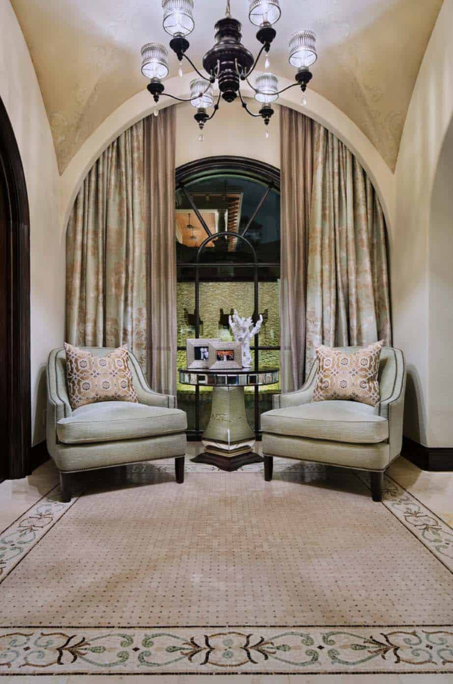 tuscan-transitional-home-jauregui-architecture-38-1-kindesign