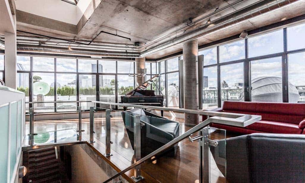 ultra-modern-penthouse-stephane-frechette-06-1-kindesign