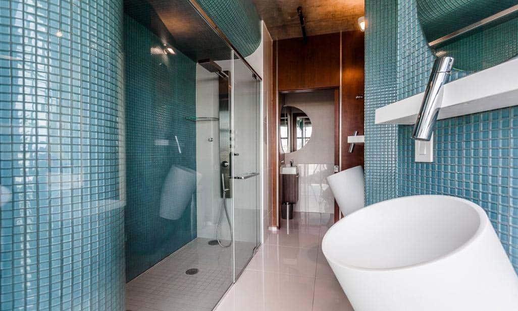 ultra-modern-penthouse-stephane-frechette-12-1-kindesign