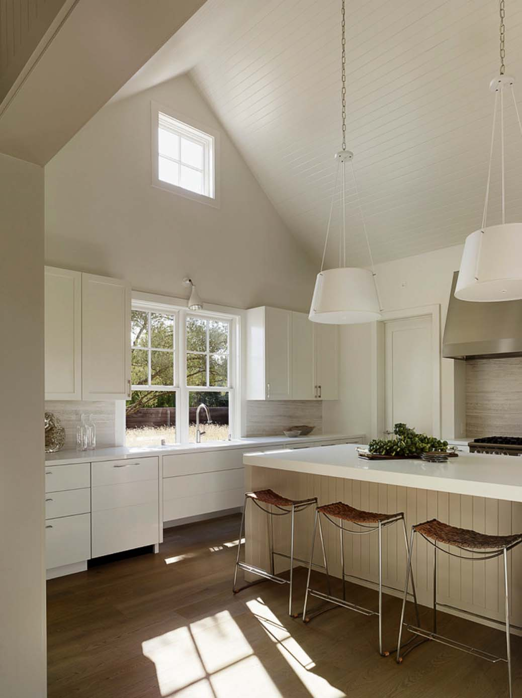 wine-country-retreat-andrew-mann-architecture-12-1-kindesign