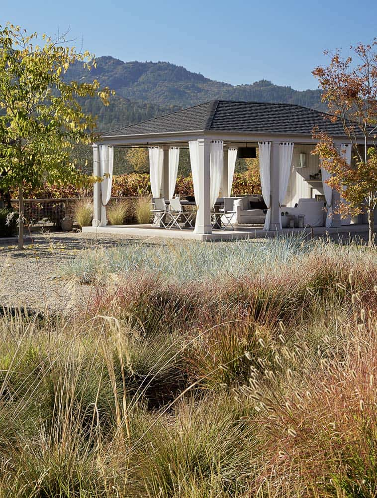 wine-country-retreat-andrew-mann-architecture-39-1-kindesign