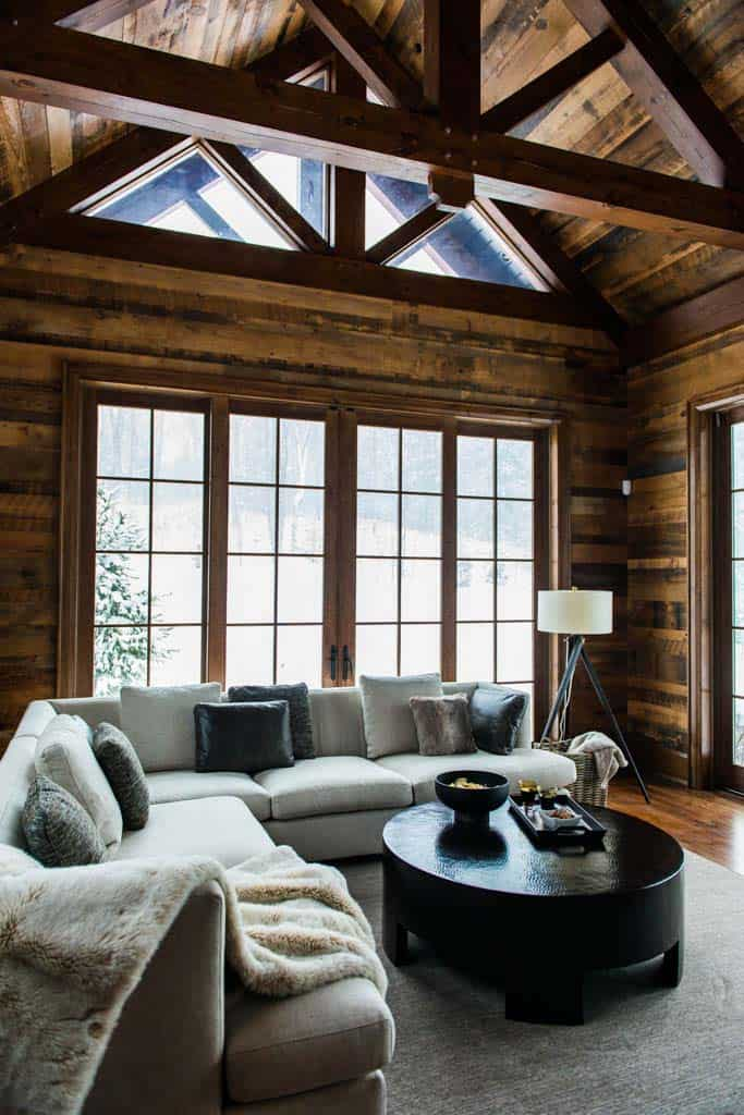 charming-rustic-cottage-timothy-johnson-design-10-1-kindesign