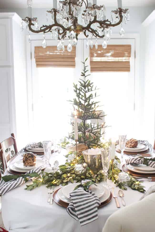 christmas-table-decorations-07-1-kindesign