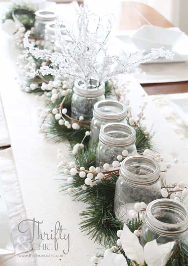 christmas-table-decorations-20-1-kindesign