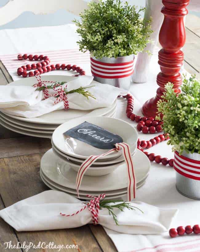 christmas-table-decorations-29-1-kindesign & 30+ Absolutely stunning ideas for Christmas table decorations