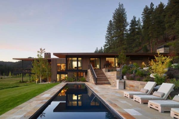featured posts image for Contemporary mountain dwelling in Montana nestled amongst pine trees