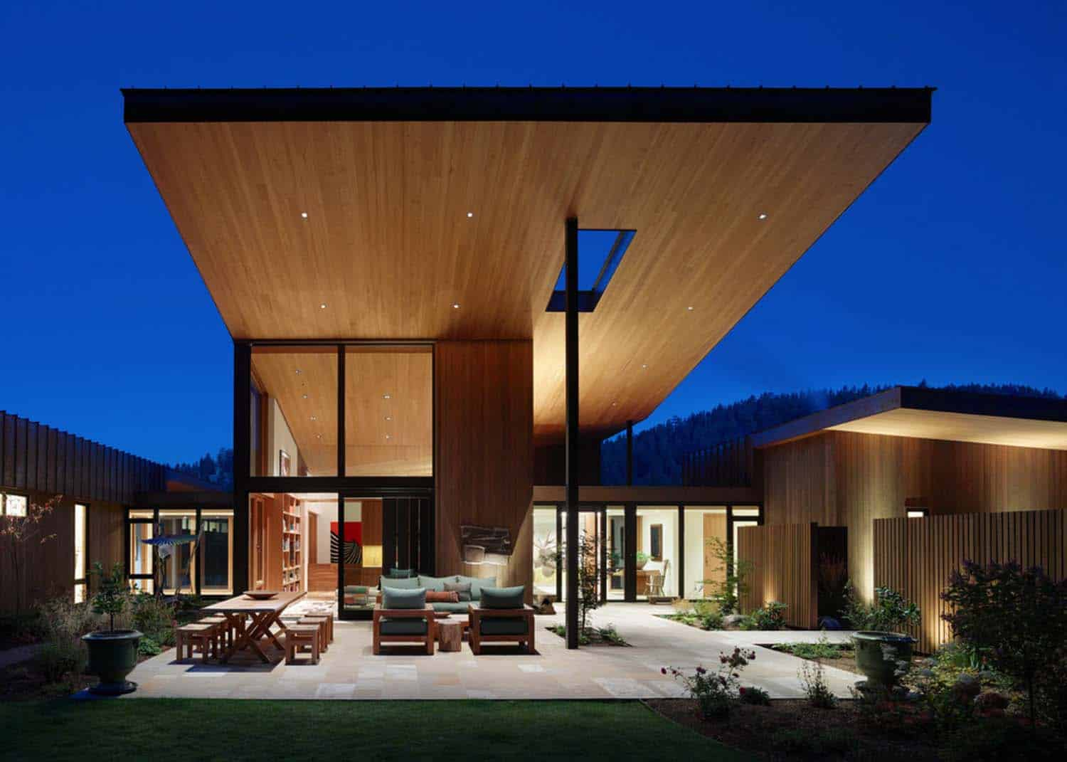 contemporary-mountain-residence-carney-logan-burke-architects-08-1-kindesign