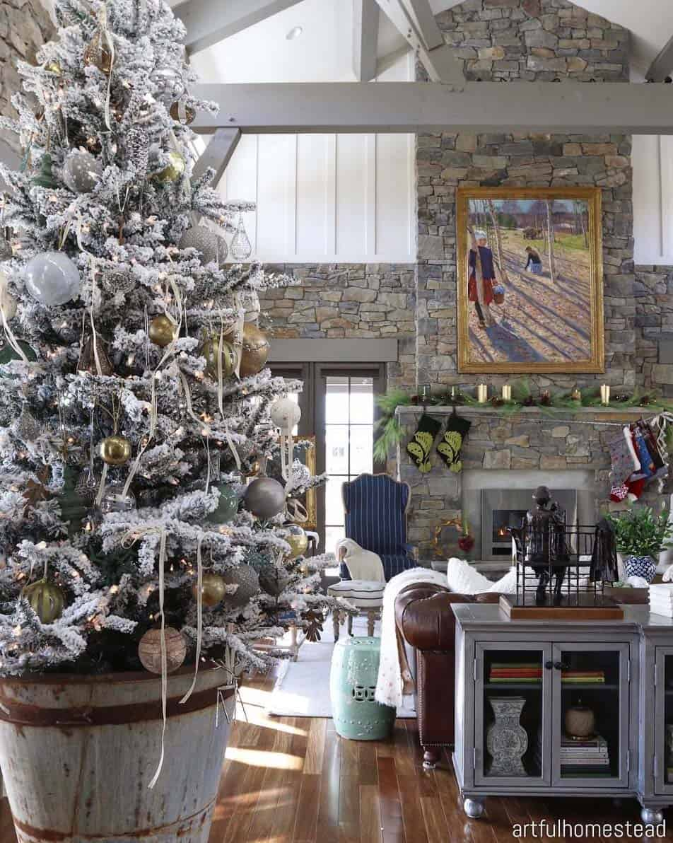 christmas home decorating pictures 40 cozy and cheerful homes decorated for a snowy christmas 10588