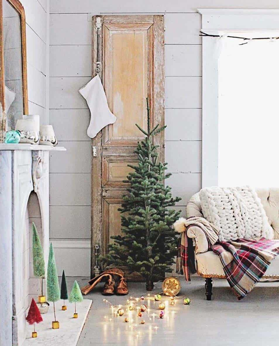 cozy-christmas-decorated-homes-06-1-kindesign