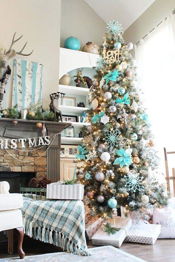 cozy-christmas-decorated-homes-25-1-kindesign