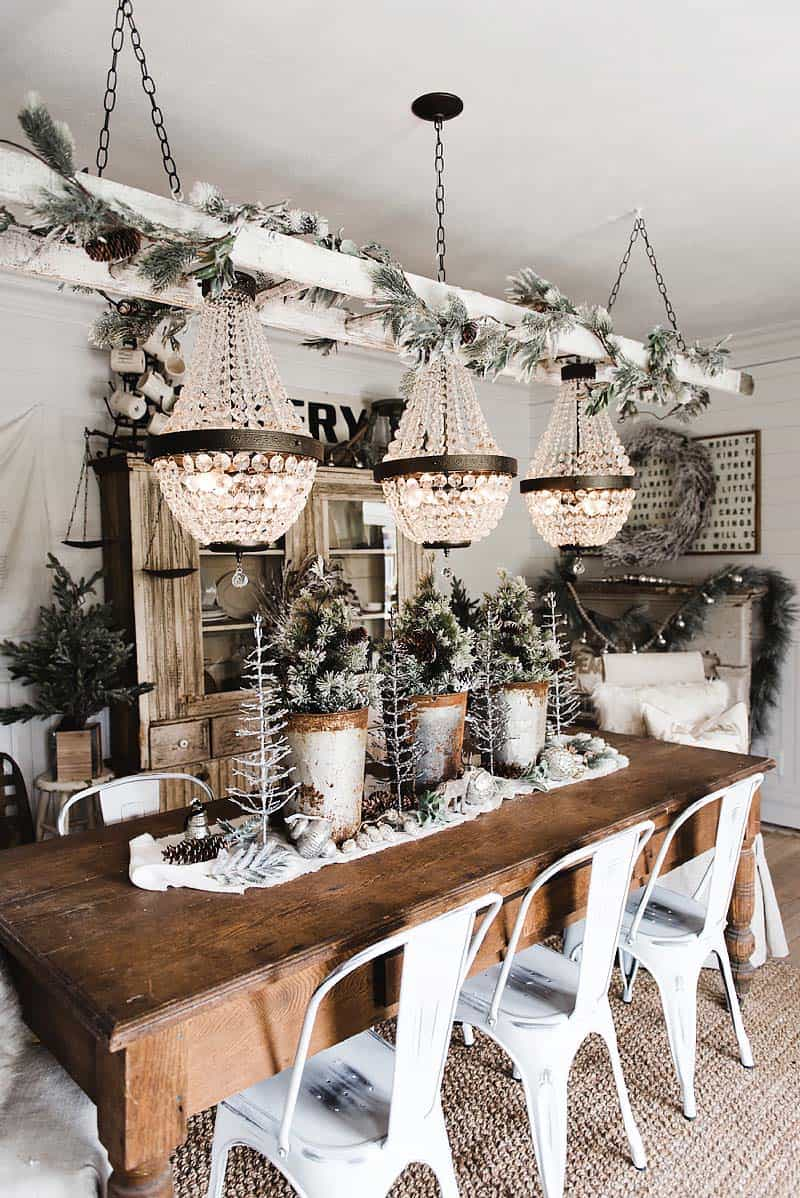 cozy-christmas-decorated-homes-42-1-kindesign