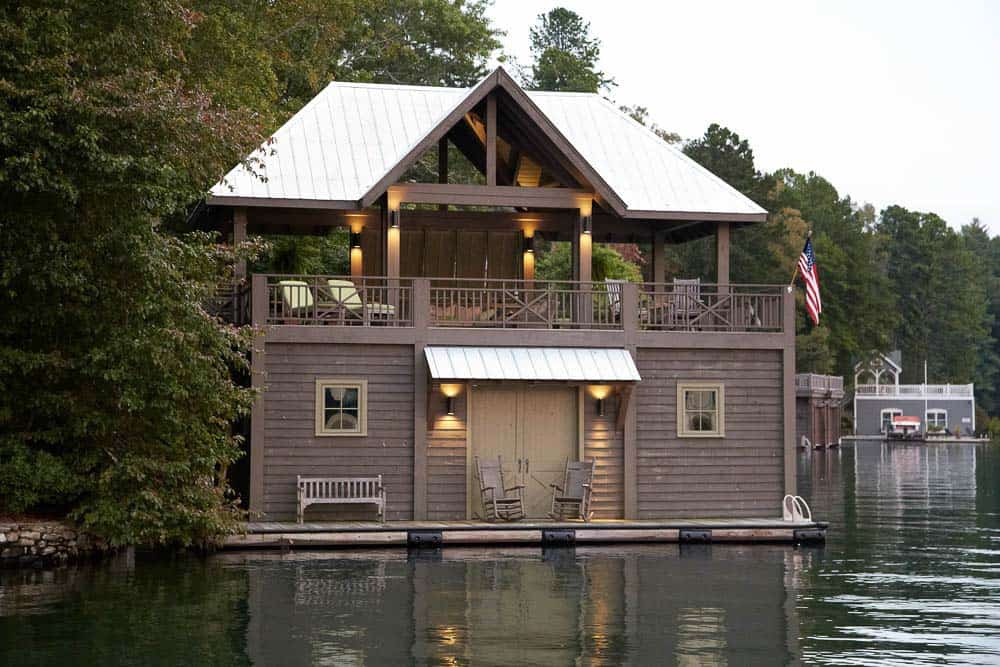 cozy-lake-house-pritchett-dixon-10-1-kindesign
