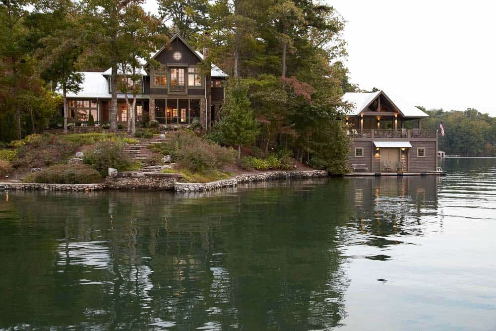 cozy-lake-house-pritchett-dixon-12-1-kindesign