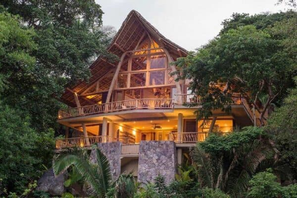 featured posts image for Tropical treehouse oasis overlooking the Mexican jungle