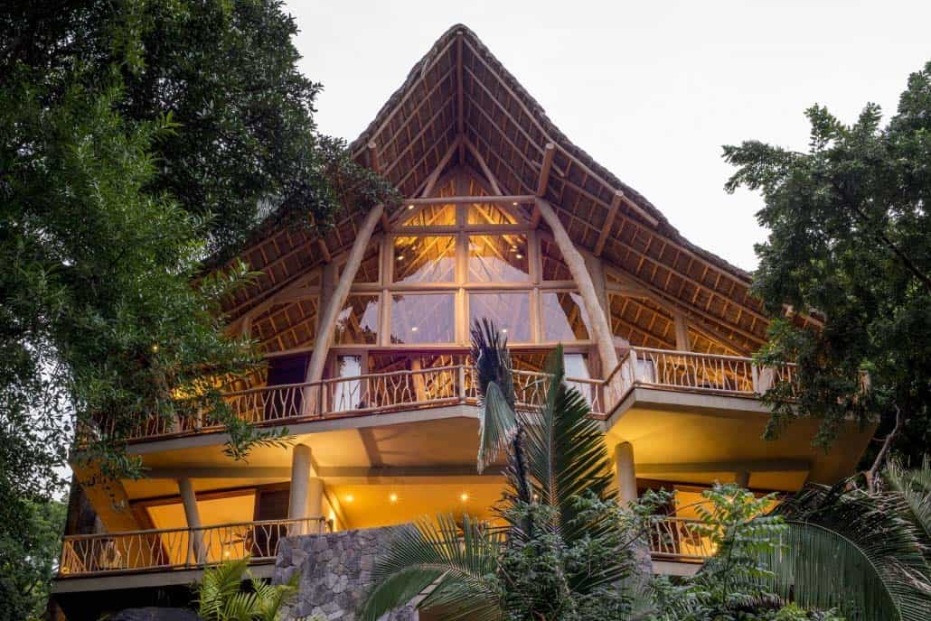 luxury-vacation-home-treehouse-mexico-13-1-kindesign