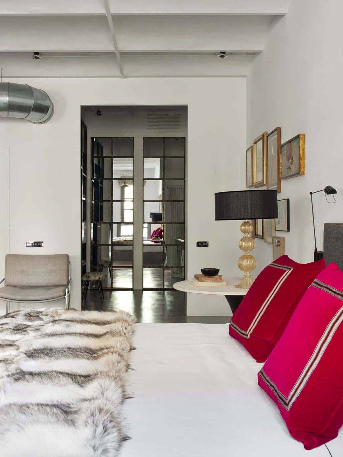 modern-industrial-loft-isabel-lopez-quesada-11-1-kindesign