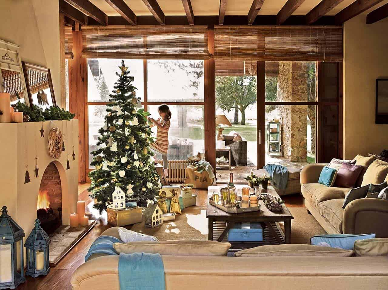 Spanish country house adorned with natural christmas for Decoraciones rusticas para navidad