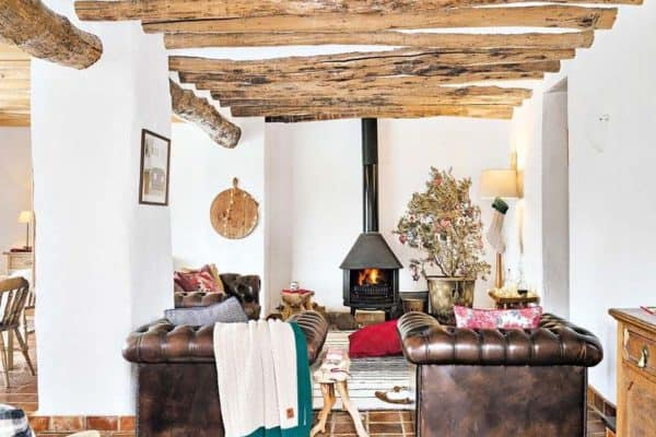 featured posts image for Charming farmhouse in Malaga adorned with Christmas details