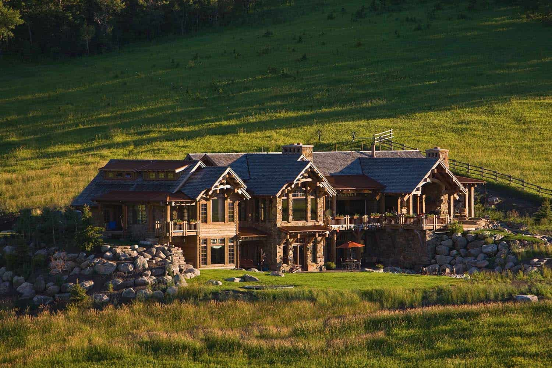 rustic-mountain-retreat-locati-architects-02-1-kindesign