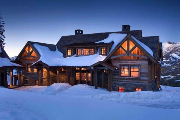 featured posts image for Rustic mountain retreat in Big Sky resembles an old lodge