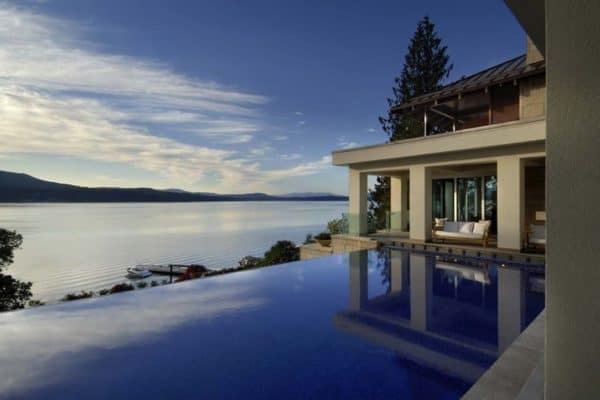 featured posts image for Vancouver Island residence is completely surrounded by water