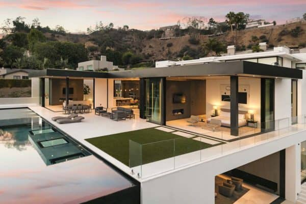 featured posts image for Sleek and sexy modern hillside home above Sunset Plaza, LA