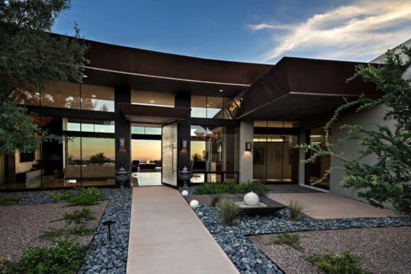 featured posts image for Dream home in the Arizona desert merges indoor/outdoor living