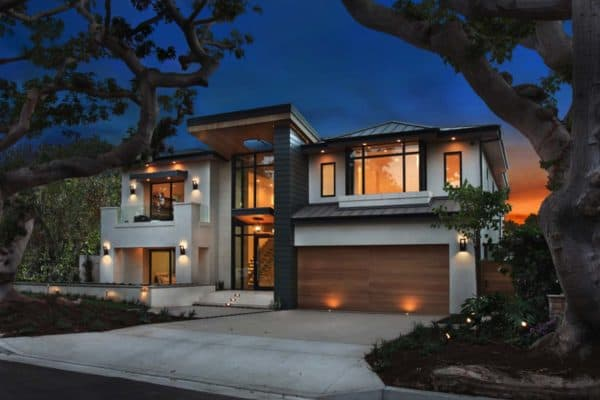 featured posts image for An ultra-modern home infused with warmth in Newport Beach