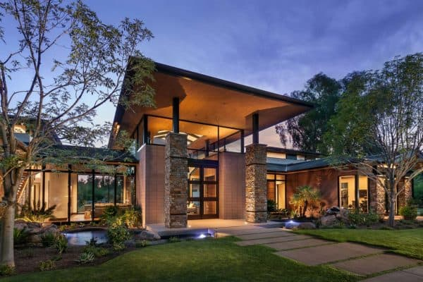 featured posts image for Walls of glass defines Arizona home re-imagined for a modern lifestyle
