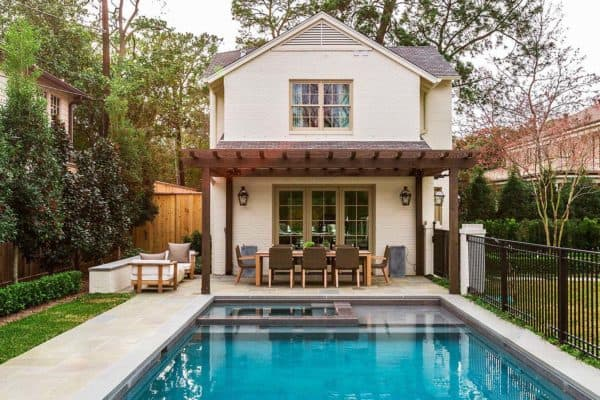featured posts image for A fresh and inviting cottage style guest house in Houston