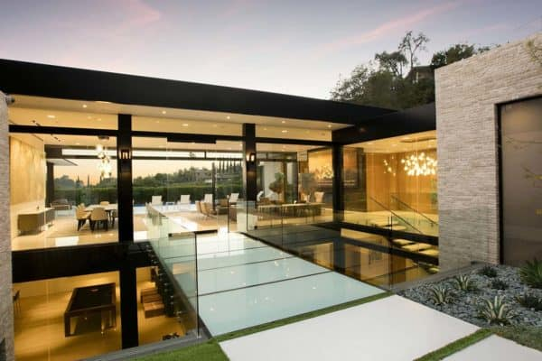 featured posts image for Sumptuous dream home with epic Los Angeles skyline views