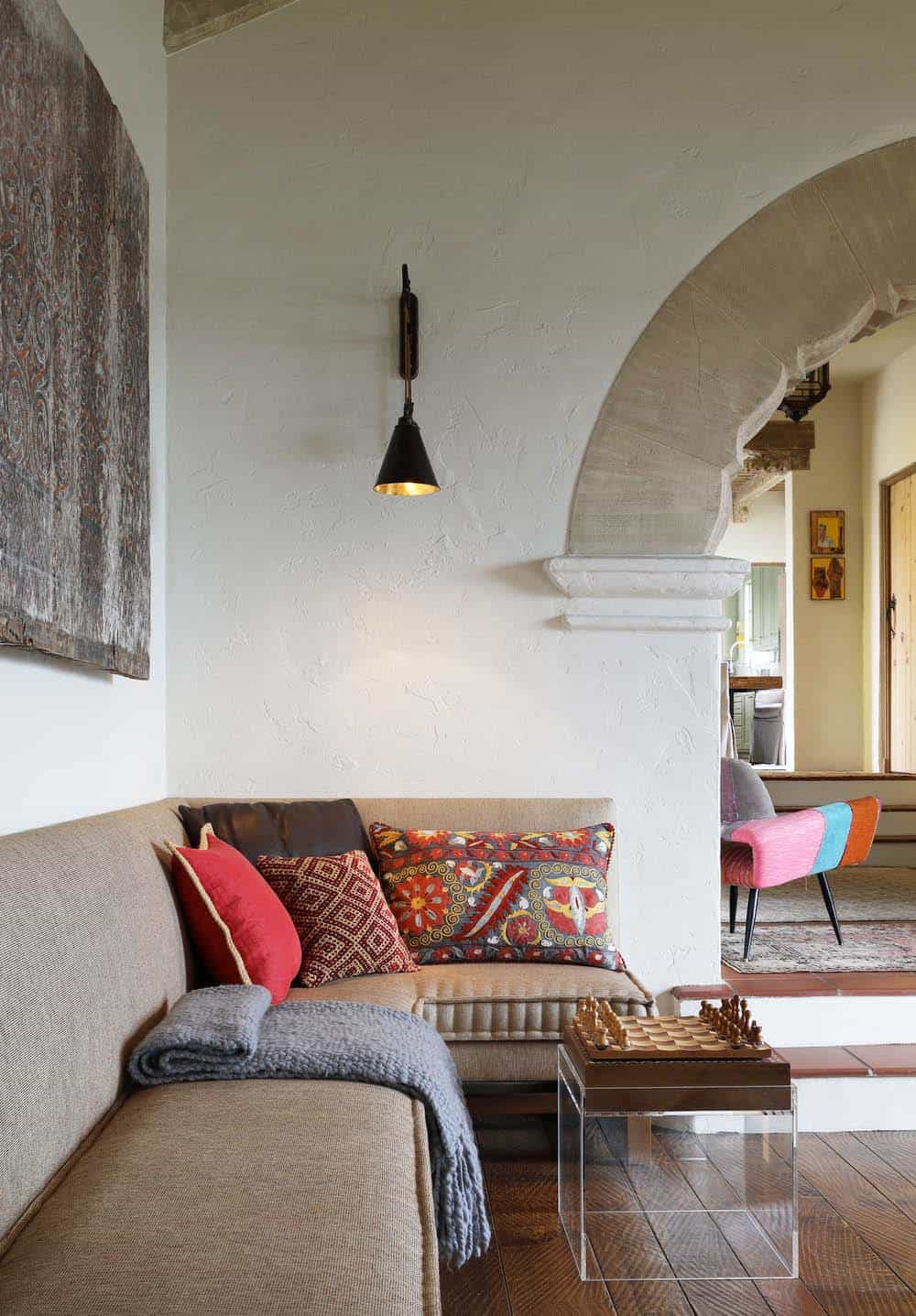 Spanish Colonial House-Maria Haidamus-07-1 Kindesign
