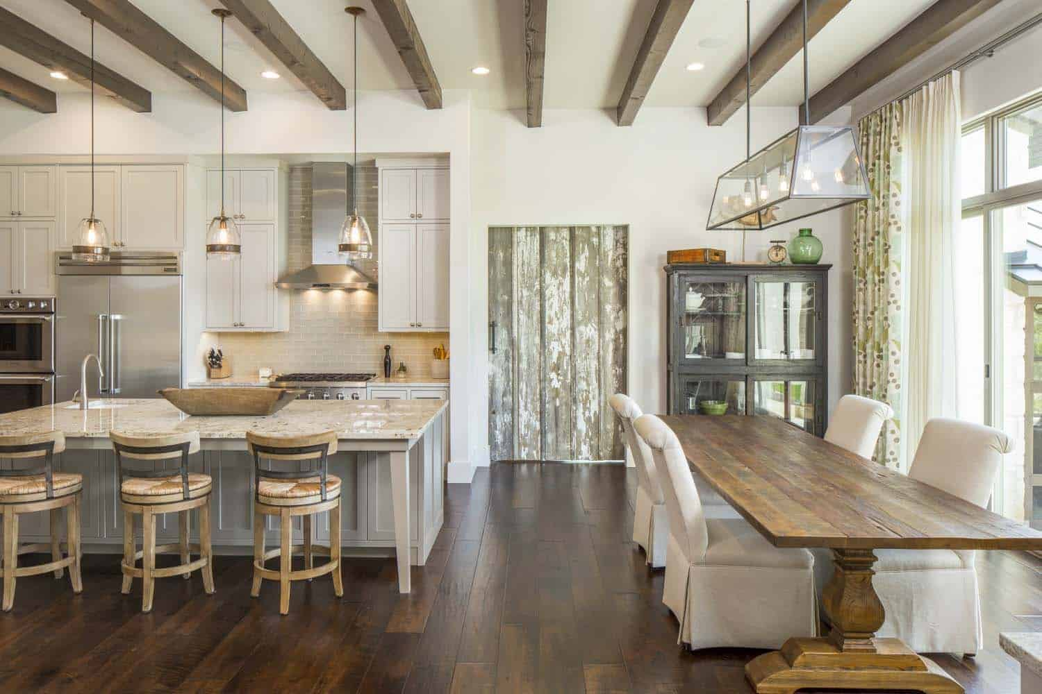 transitional-farmhouse-design-vanguard-studio-19-1-kindesign