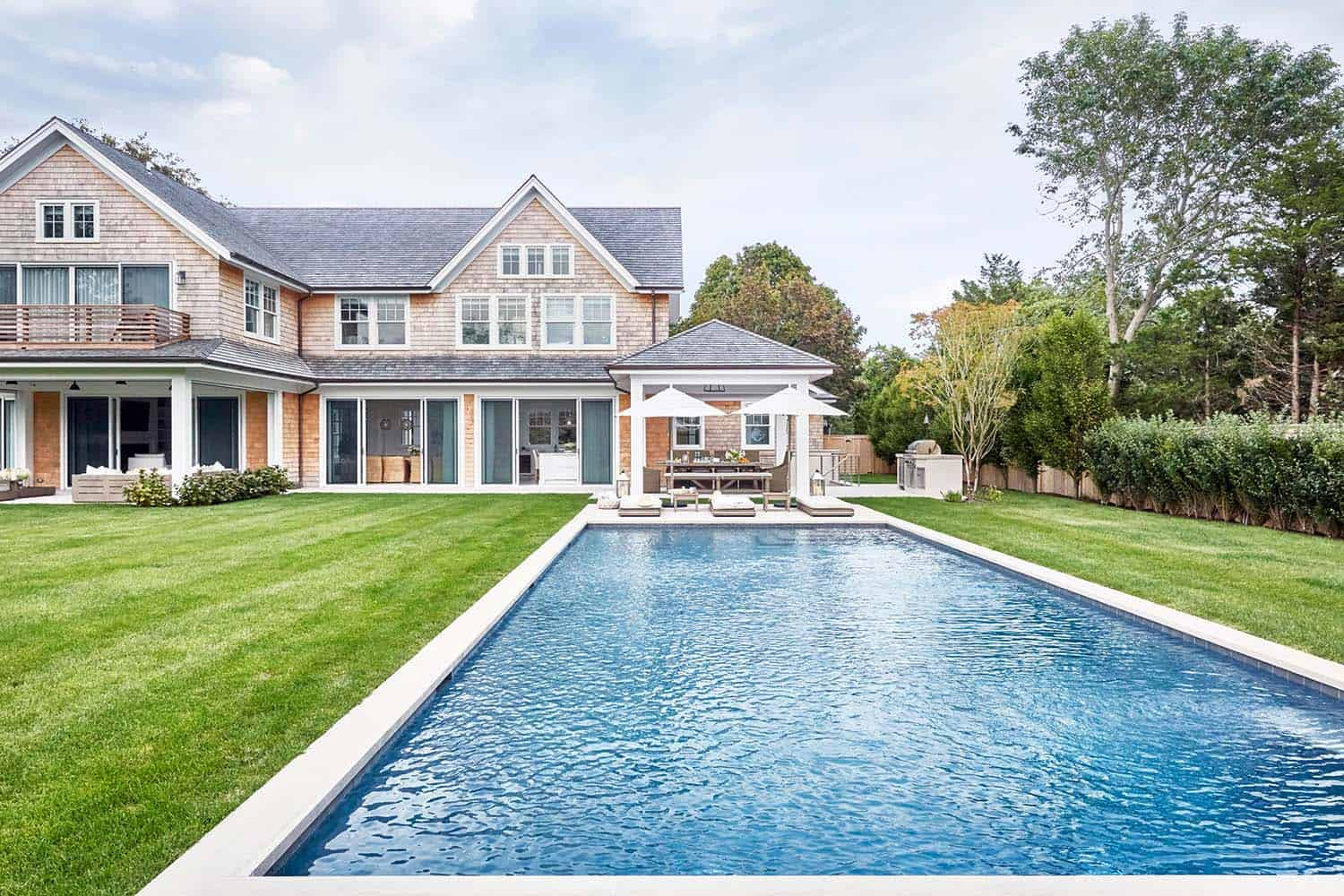 Captivating beach house in amagansett with stylish details for East coast house plans