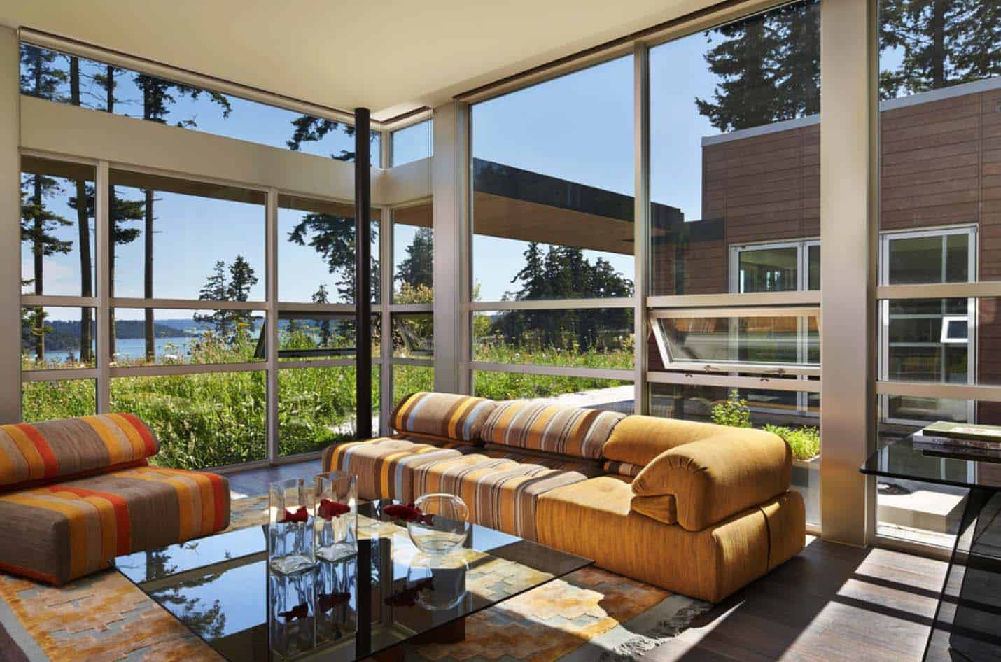 Contemporary Hillside Residence-Castanes Architects-18-1 Kindesign