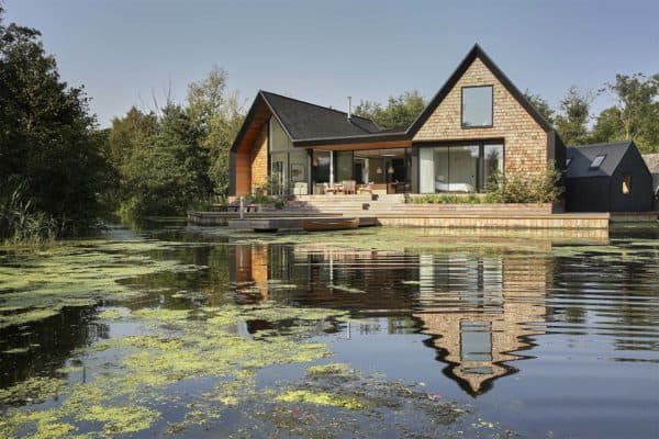 featured posts image for Off-the-grid English home nestled on a secluded lagoon