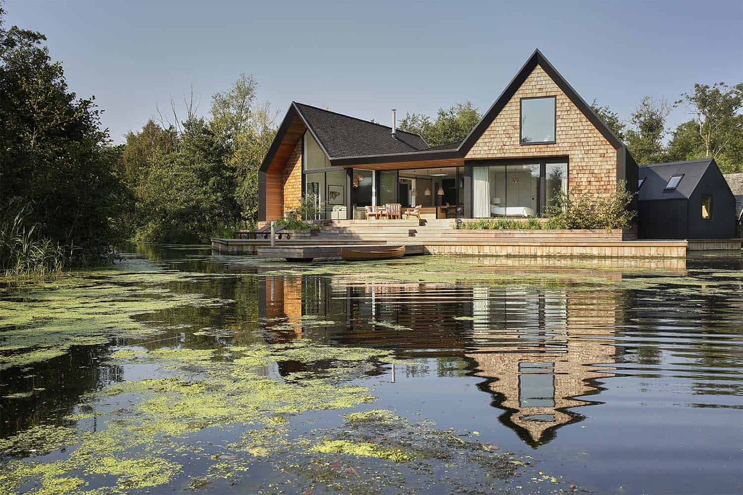 Contemporary Waterfront Home-Platform 5 Architects-01-1 Kindesign