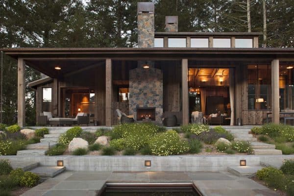featured posts image for Small woodsy cabin features a cozy farmhouse style in Napa Valley