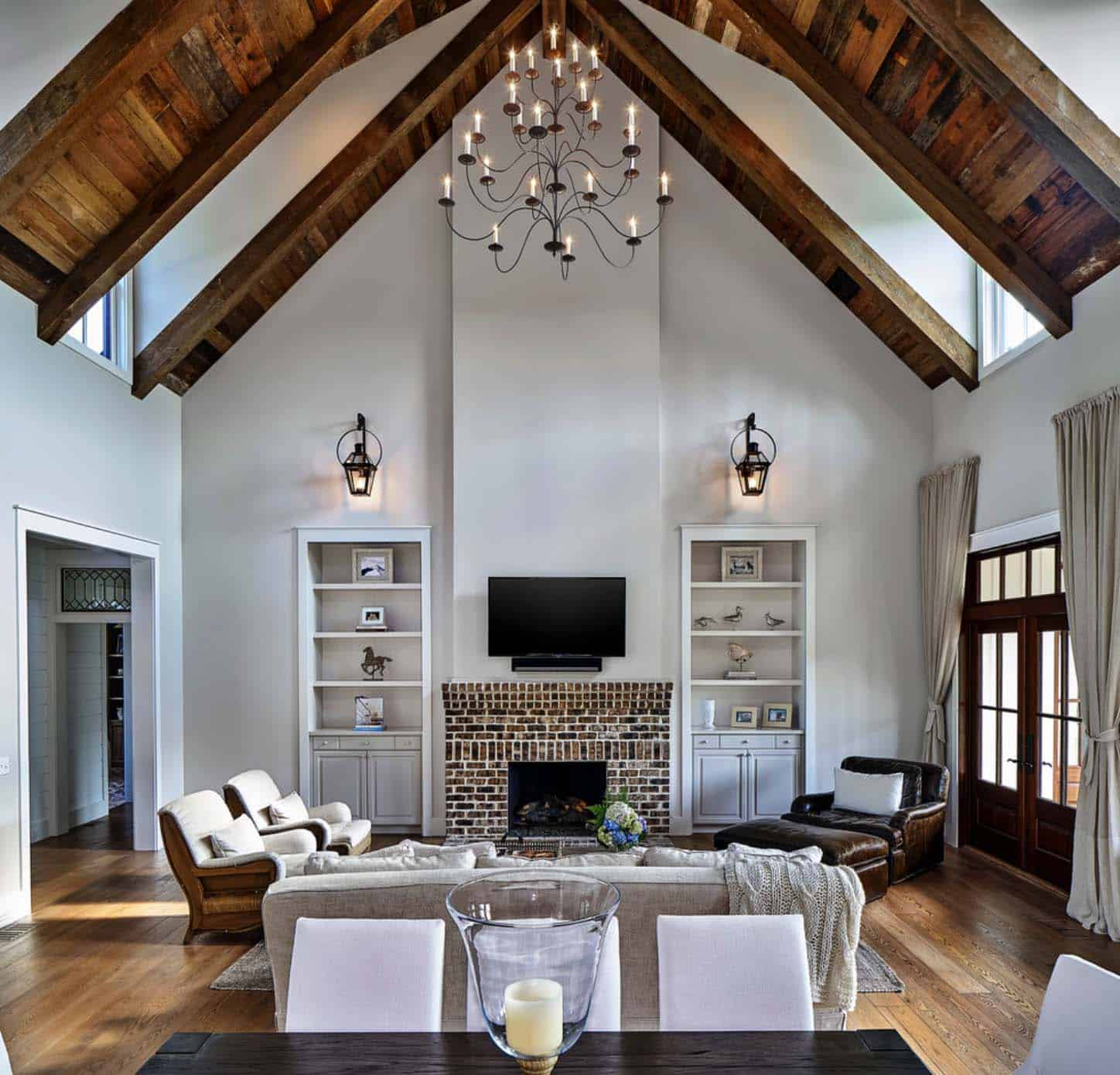 Exquisite South Carolina Farmhouse Evoking A Low Country Style