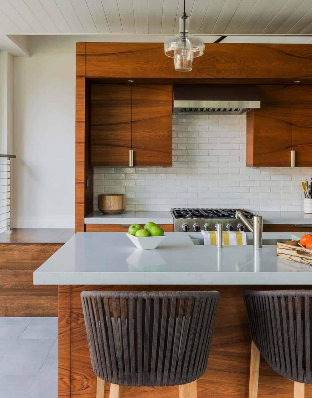 Hilltop Gambrel House-LDa Architecture-26-1 Kindesign